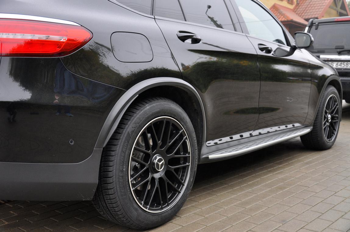 RACING LINE RBY1268 hliníkové disky 8'x20 5x112 ET36 BLP - Black + polished